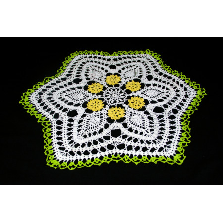 "Crocheted table doily ""Daisy"""