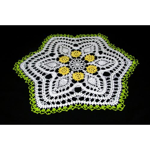 "Crocheted table doily ""Daisy"""